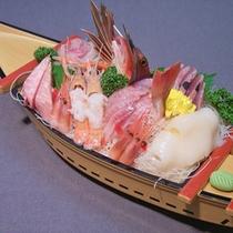 *料理一例/漁師町の網元ならでは!全てのプランのご夕食には舟盛をお付けします!
