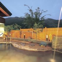 【露天風呂】満点の星空を眺めながらご入浴