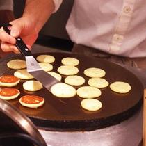 朝食ブッフェ パンケーキ