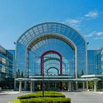 *【あいち健康の森プラザ】ホテルに隣接。中には温泉・プール・フィットネス等沢山の施設がございます。