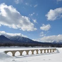 雪原とタウシュベツ川橋梁
