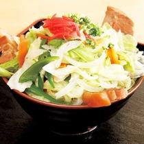 *【食事例】肉野菜そば。ボリューム満点のお食事でガッツリ派も満足。