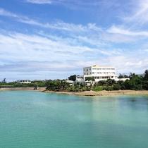*【外観】沖縄本島から南西へ320km。美しいサンゴ礁に囲まれた癒し空間。