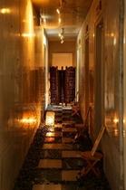 お風呂棟の廊下