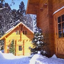 白馬五竜スキー場まで200mの立地。スキーにも便利。