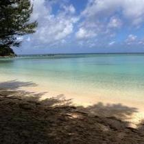 *【周辺のご案内】透明度抜群の底地ビーチ☆静かにのんびりと過ごせるビーチです。