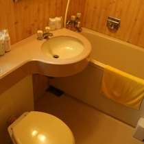 和室8畳バストイレ