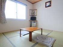 【和室6畳】大人3名様でご利用される場合、若干お部屋が手狭になりますため予めご了承ください。