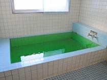 【男性用浴場】ご利用時間は16時から翌8時まで