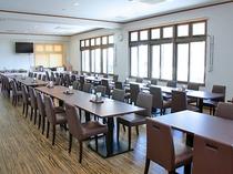 【レストラン】団体のお客様も対応可能な広さです。