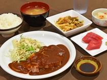 【夕食】ポークチャップ定食