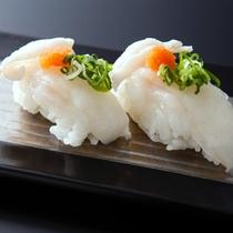 噛むほどに3年とらふぐの旨みが口いっぱいに広がる「ふぐの握り寿司」≪料理イメージ≫
