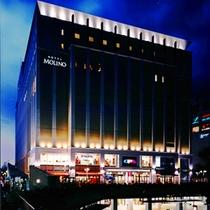 ホテル新百合ヶ丘駅側外観 夜