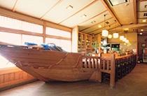 【花梵天】近くの漁港でとれた、イキのいい魚介類を中心にご提供いたします。