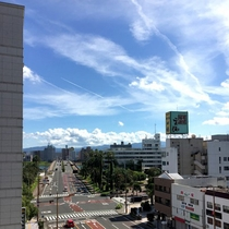 【施設一例】当館から見える景色。大淀川が見えます。