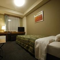 シングルルーム 室内灯暖色