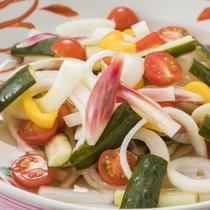 さっぱり美味しい♪新鮮野菜のピクルス