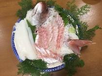 別注料理(鯛・アオリイカのお刺身)