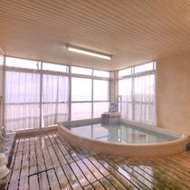 *展望風呂/温泉ではございませんが、瀬戸内海を眺めながら浸かるお風呂はまさに贅沢そのもの。