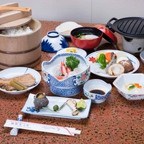 *お夕食一例/新鮮な海の幸をはじめ、小豆島の特産を活かした郷土料理をご堪能下さい。