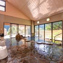 *大浴場(岩風呂)/癒治に適した良質の湯をご堪能下さい。(男女毎日交替制でご利用いただけます。)
