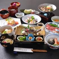 *お夕食一例(5000円コース)/雄大な自然がはぐくむ旬の山の幸、渓流の幸を盛り込んだ料理に舌鼓。