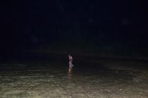 夜の海遊び「イザリ」