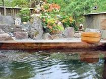 女性専用檜風呂2