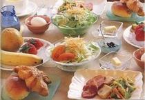 種類豊富な朝食