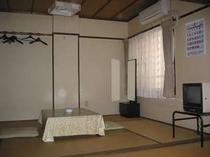 ファミリー・グループ向けの10j畳のお部屋です