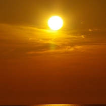 *徐々に色濃くなっていく、オレンジの空を眺める時間。