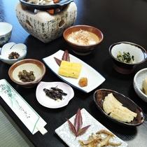 *【朝食全体例】ボリューム満点!のお食事を食べて、元気におでかけ!