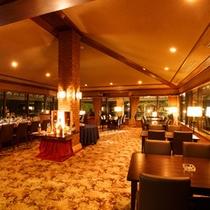 ホテル紅葉館7階 バーラウンジ「レ・ラブル」