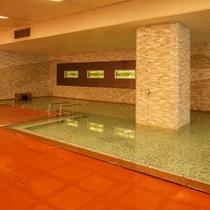 隣接するホテル千秋閣 大浴場