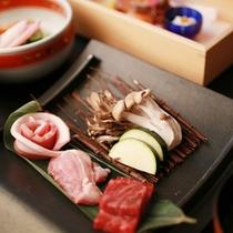 【夕食一例】群馬が誇る3種類のお肉を味わえます~上州牛、赤城鶏、上州豚~