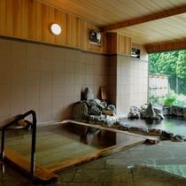古代檜風呂と岩風呂(女性内湯)