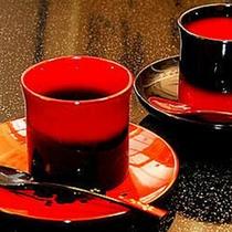 輪島塗りのカップ