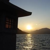 朝陽★澄んだ空気の中、ブラリ朝の散策はいかがですか?