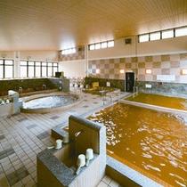 *【大浴場:和風】肌に優しい琥珀色の天然温泉で癒しのひと時を