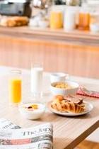 朝食(コンチネンタルスタイルのバイキングです)