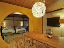 スーペリアスタジオの客室の一例(イエロー)