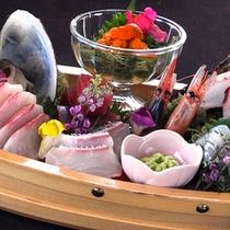 地元那珂湊で水揚げされている、旬のもっとも美味しいお魚をお造りでどうぞ!
