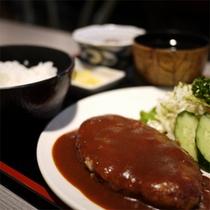 *施設内お食事処「ボルドー」(夕食一例)