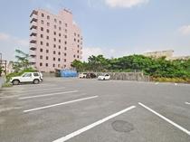 【駐車場】無料駐車場約30台を完備。