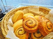 【朝食】ビュッフェまたはセットメニューにてご提供。写真はホテルおすすめの【自家製パン】