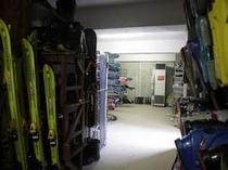 冬はスキー乾燥室も完備