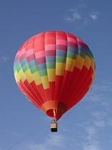 人気メニューの「熱気球フライト」