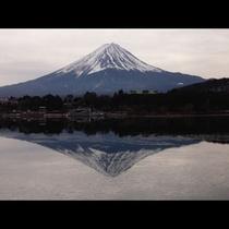 冬_河口湖の逆さ富士