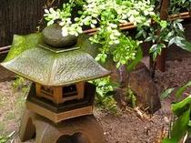 庵 恵美須屋町町家 庭の灯籠