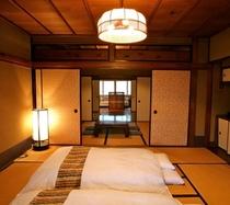 庵 筋屋町 2F和室、奥に見えるのは、ソファの洋室です。